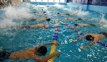 互动吧-艺博体育救生员游泳培训
