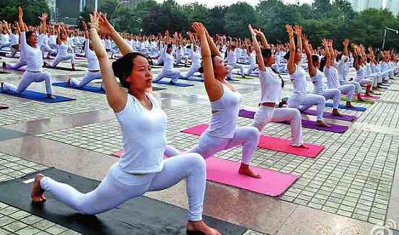 宁晨体育.锦钰瑜伽首届千人瑜伽大会
