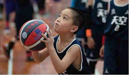 互动吧-篮球,乒乓球可报名预约一节免费的体验课
