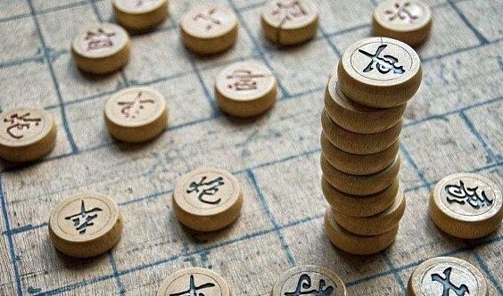 围棋、象棋、五子棋、国际象棋智力体验课