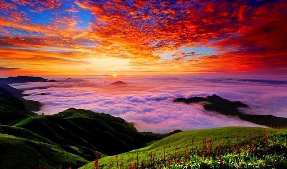 江西武功山徒步、天上草原、金顶露营看日出、观翻腾云海星空、包含门票+帐篷+睡袋纯玩