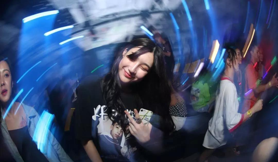 七夕北京电音狂欢趴||包场五道口最火酒吧—young club酒吧,来一场最躁的七夕狂欢夜
