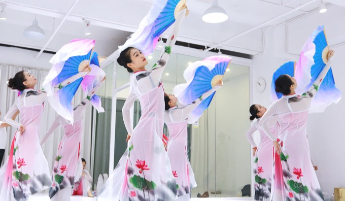 形体芭蕾 中国民族舞 古典舞成人班 您想要学的派澜都有