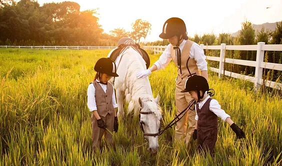 亲子马术体验活动,让孩子做个快乐的小骑士