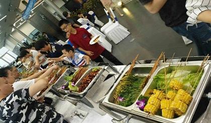 互动吧-惠州自助餐野外烧烤配送大厨上门烤全羊花样百出
