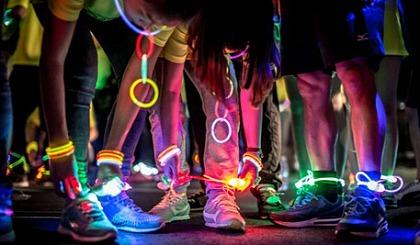 互动吧-荧光夜跑| 嗨,听说你跑步时会发光