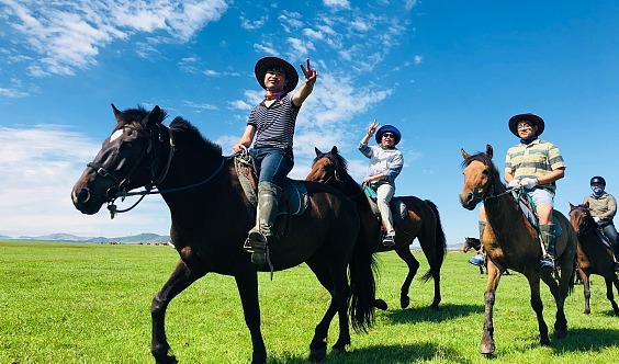 五一假期 坝上草原 骑马 神仙谷七彩森林,骑马,赠送烤全羊 篝火狂欢!