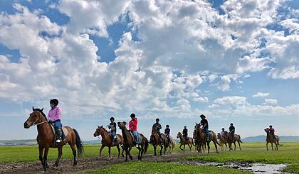 互动吧-周末-坝上草原-策马扬鞭-烤全羊-篝火狂欢-体验马背生活!