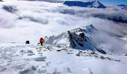 互动吧-西部传奇户外 人生中**座雪山 四姑娘山二峰攀登计划